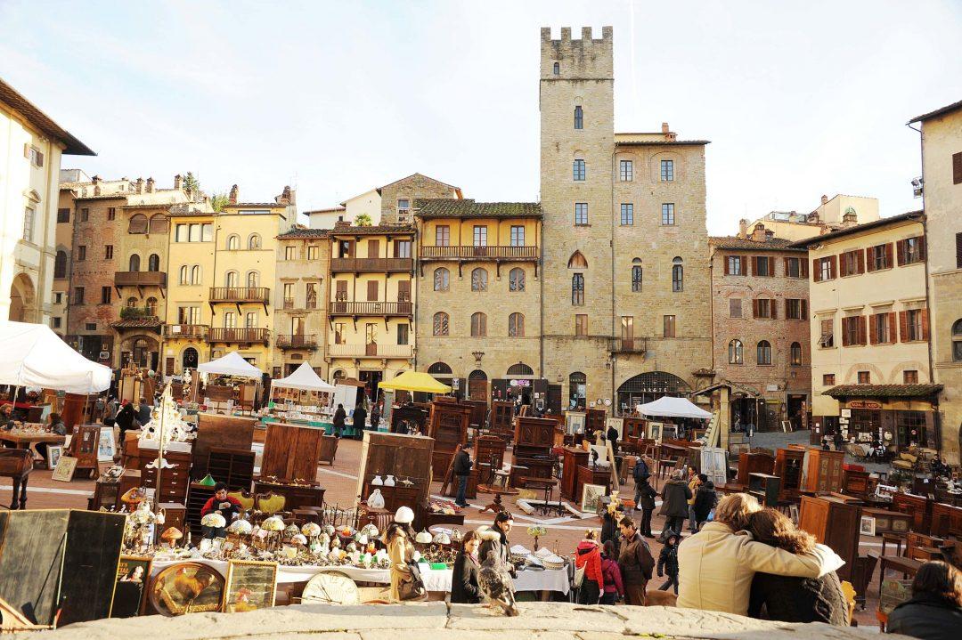 Tulip festival in castiglione del lago together in for Arezzo antiquariato